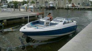 Boat Bayliner Capri 21.5 feet open bow v8 engine for Sale in Fort Lauderdale, FL