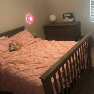 Crib With Toddler Bed And Full Size Bed Conversion Kits And Dresser - Gray - Million Dollar Baby for Sale in Scottsdale, AZ
