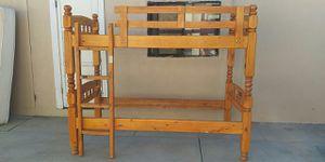 Litera (bunk bed) esta en buena condicion for Sale in Los Angeles, CA