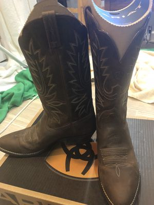 Ariat Size 9 Women's Heritage Western Boots for Sale in Brentwood, MD