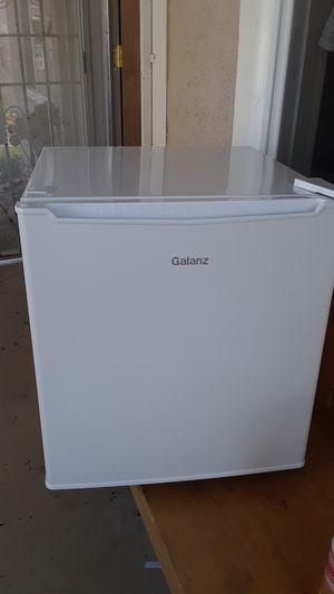 Brand new mini fridge has a mini freezer for Sale in Pico Rivera, CA