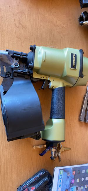 Roofing Magnum coil nail gun for Sale in Santa Ana, CA