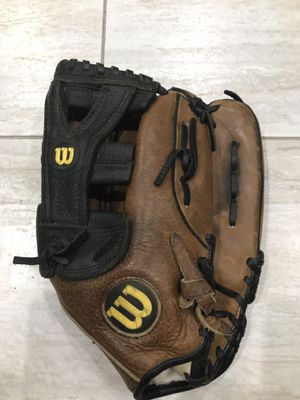Wilson Pro1000 12.5 baseball glove for Sale in Vancouver, WA
