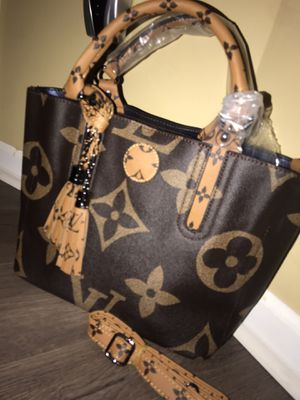Handbag for Sale in Sterling Heights, MI