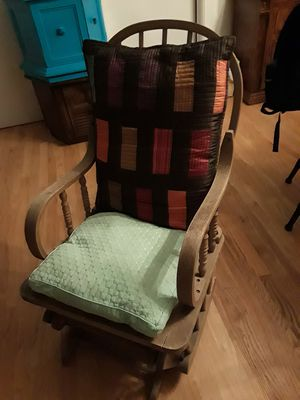 Antique rocking chair very good condition maybe you fix different way for Sale in Garner, NC