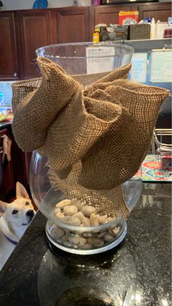 XL vase with pebbles and burlap bow for Sale in Richmond,  TX