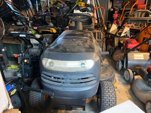 Poulan Pro lawnmower tractor 🚜 just dusty perfect condition for Sale in Bellflower, CA