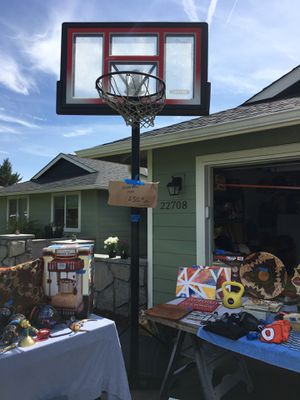 Basketball hoop for Sale in Damascus, OR