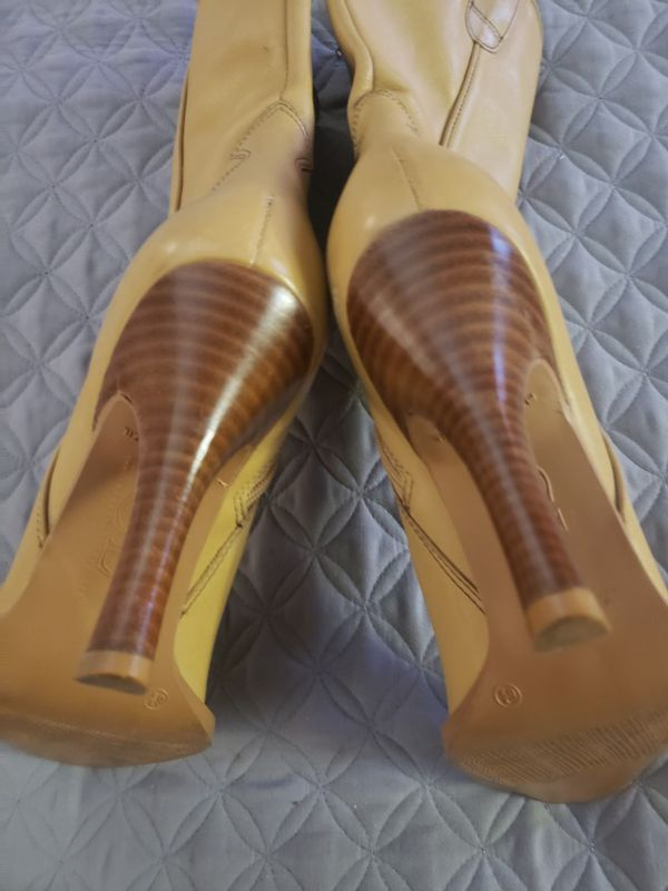 Tan or beige leather boots, size 6.5