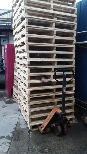 Pallets never used like new $ 7.00 each one for Sale in Compton, CA
