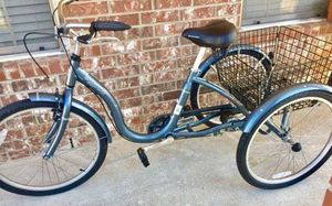 Schwinn Meridian Adult Tricycle, rear collapsable storage basket like new condition ridden maybe 6-7 miles for Sale in Murphy, TX