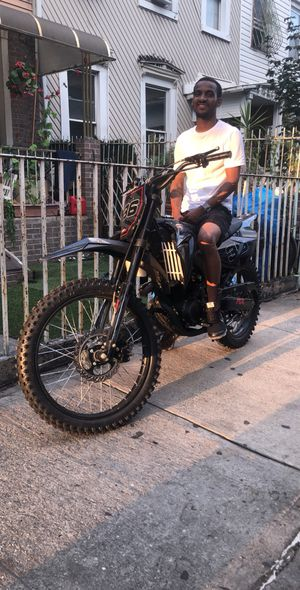 Dirt bike 250 1500 right now in BK for Sale in Brooklyn, NY