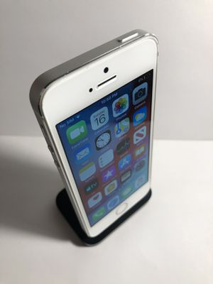 iPhone 5s 16gb Silver (Factory Unlocked) Excellent Condition for Sale in Alameda, CA