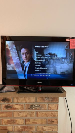 """26"""" flat panel tv with built in DVD player. for Sale in Lakewood, WA"""