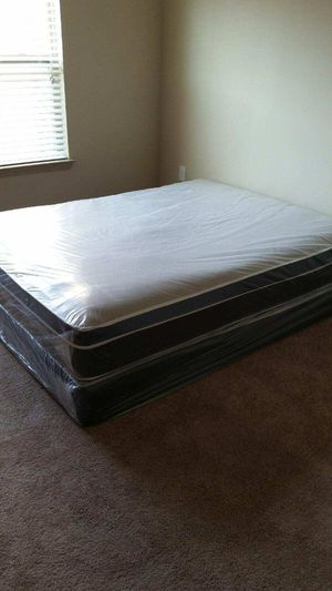 King pillow top mattress and box spring in the plastic New Free delivery in Atlanta for Sale in Riverdale, GA