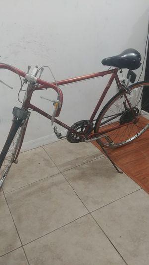 Shuwinn continental road bike for Sale in Miami, FL
