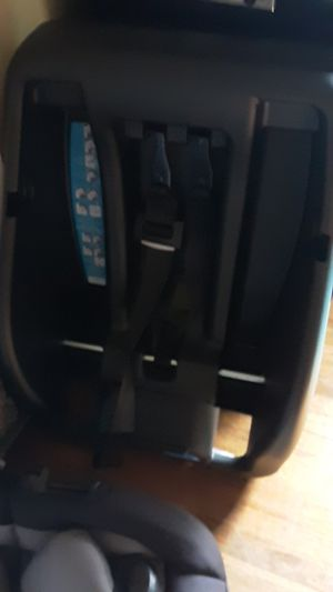 Infant car seat brand new safety first brand for Sale in Hutchinson, KS