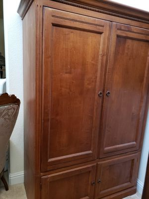 ANTIQUE ETHAN ALLEN ARMOIRE (VINTAGE) (Storage Cabinet, TV Stand, Bookshelf, Dresser, Chest of Drawers) for Sale in San Jose, CA