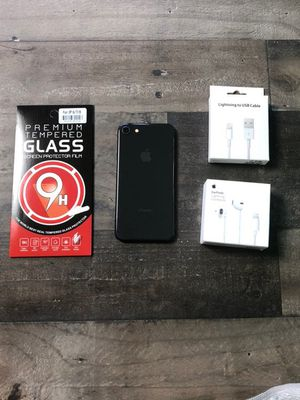 iPhone 8 64GB Unlocked for Sale in Los Angeles, CA