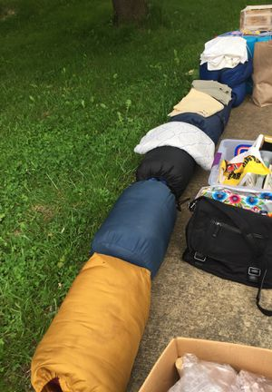 5 comfy sleeping bags for Sale in Marshall, VA