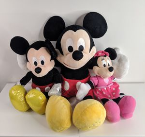 """Disney 2 Mickey Mouse and Minnie Mouse Lot Plush Stuffed Animal 19"""" 15"""" & 11.5"""" for Sale in Hanover, NJ"""
