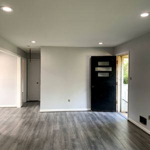 SE NECESITAN PINTORES for Sale in Woodbridge, VA