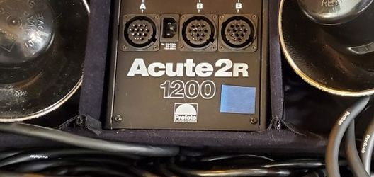 Profoto Acute2R Power Pack+2 Heads With Reflectors for Sale in Lexington,  MA