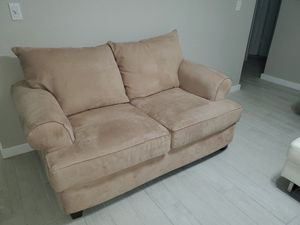 Loveseat like NEW for Sale in Miami, FL