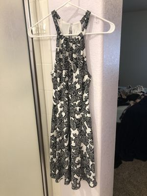 Black and white semi formal dress for Sale in Chandler, AZ