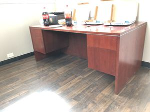 Executive office desk for Sale in Chicago, IL