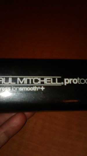 Paul Mitchell protools hair straightener for Sale in Las Vegas, NV