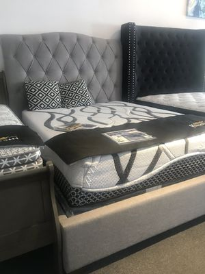 Grey queen upholstered bed for Sale in Fresno, CA
