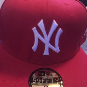 Ny fitted hat ( read description )‼️ for Sale in Laurinburg, NC