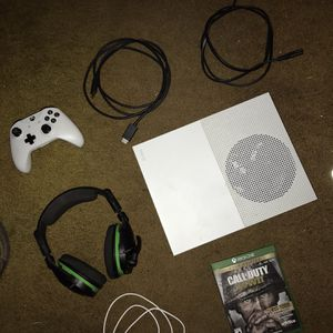 X Box One S BUNDLE 1681 Works Perfect for Sale in Yorba Linda, CA