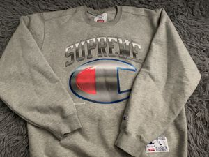 SUPREME CHAMPION SWEATER for Sale in Fontana, CA
