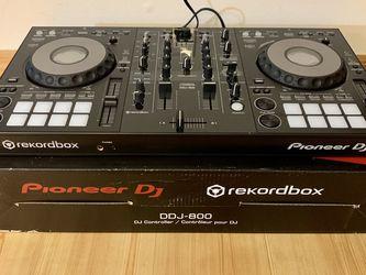 Pioneer DDJ-800 New In Open Box for Sale in West Palm Beach,  FL