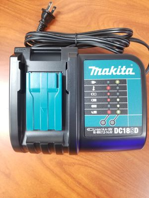 Makita battery charger for Sale in Covina, CA