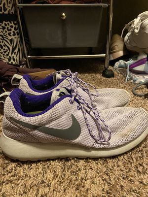 Nike Rosche SIZE 8 for Sale in Andover, KS