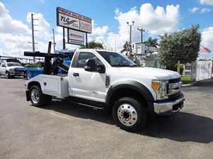 Financing available! 2017 Ford F450 XLT.. VULCAN 812 WRECKER TOW TRUCK Condition Used Clear Title Miles 138,912 Engine 6.7L 8 Cylinder Transmission for Sale in Pompano Beach, FL