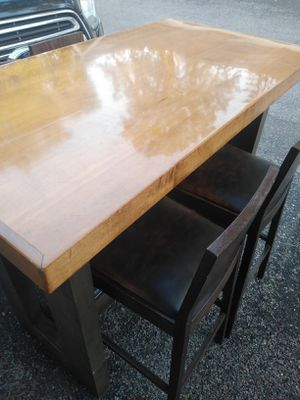 High Dining Table and Stools for Sale in Minneapolis, MN