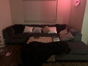 GREY VELVET SECTIONAL w/ pink ottoman for Sale in Biscayne Park, FL
