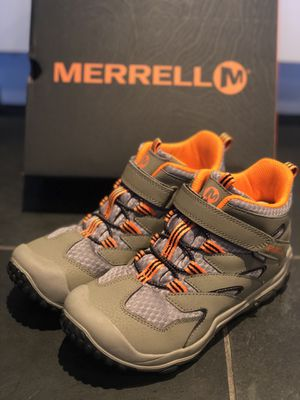 Merrell, hiking boys boots, used once, size 4, EUR 35, super comfy and quality! Still in box for Sale in Doral, FL