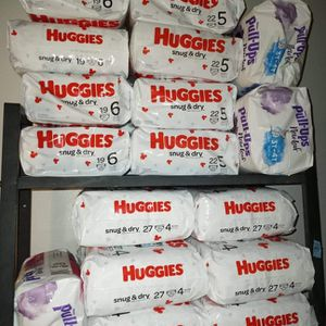 HUGGIES 7 each bag for Sale in Las Vegas, NV