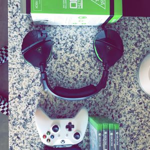 XBox One Controllers, Games, Headset for Sale in Phoenix, AZ