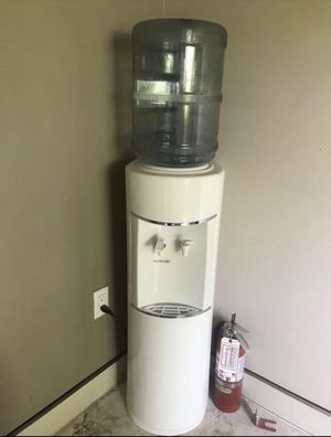 Water Dispenser Hot & Cold for Sale in Coral Gables, FL