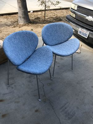 Brand new set of 2 mid century style accent chairs. Retails for over $380 for Sale in Fowler, CA