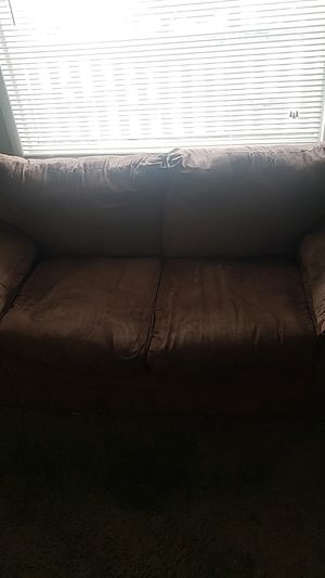Moving soon. Need to get rid of immediately. Couch, loveseat and a coffee table for Sale in Worthington, OH