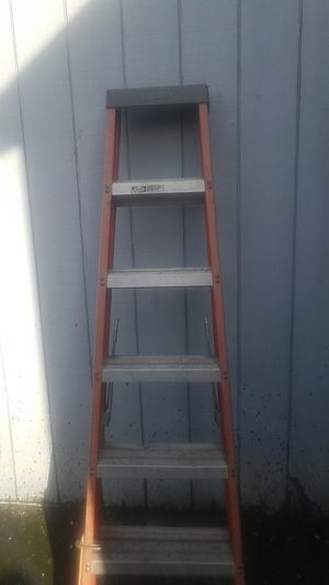 5 foot louisville ladder for Sale in Tacoma, WA