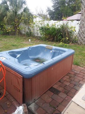 Hot Tub for Sale in Winter Springs, FL