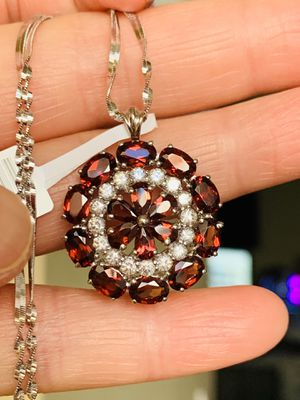 7 ct red garnet necklace , 2.5 ct London blue ring , 3 ct sapphire ring, Rhodolite Garnet Ring for Sale in Las Vegas, NV